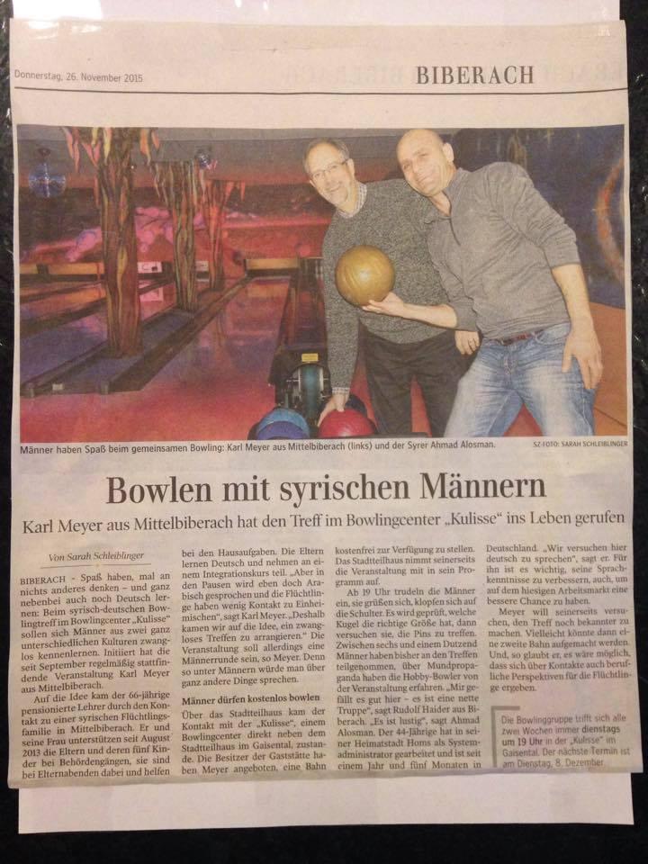 Bowlen_mit_syrischen_Maennern_Bowlingcenter_Biberach